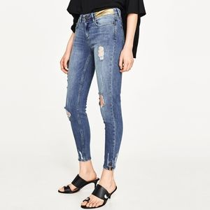 Zara Mid-Rise Cropped Blue Jeans